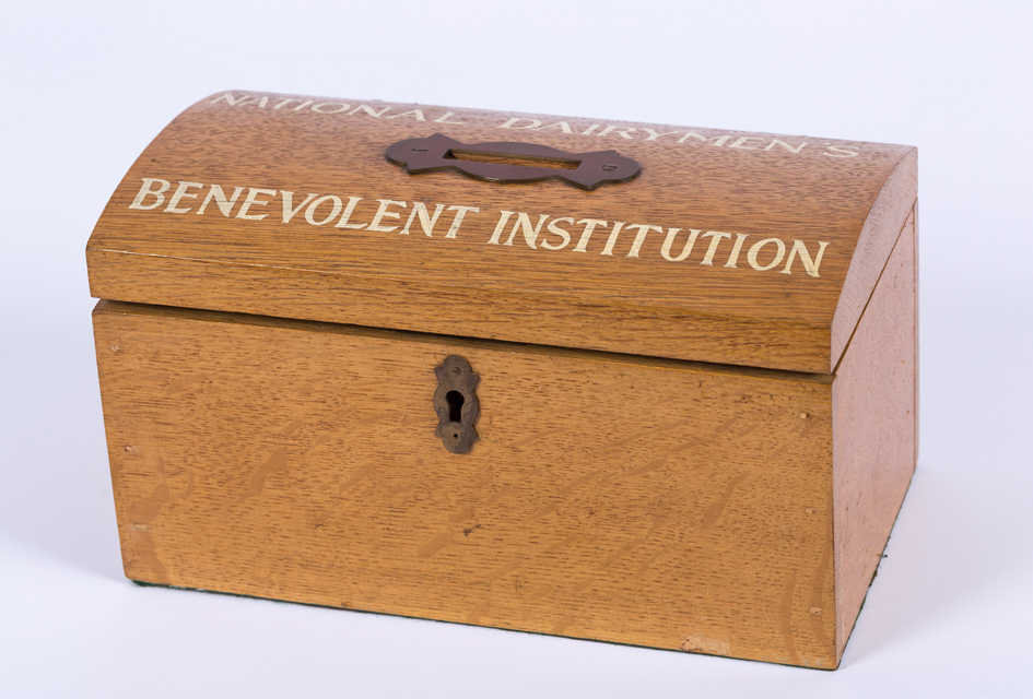 NATIONAL DAIRYMEN'S BENEVOLENT INSTITUTION COLLECTING BOX